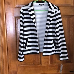 Relativity Striped open front jacket size Med(NEW)
